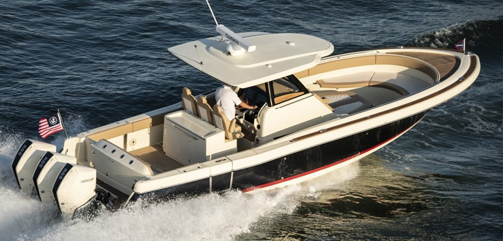 Catalina Series | Chris-Craft Boats